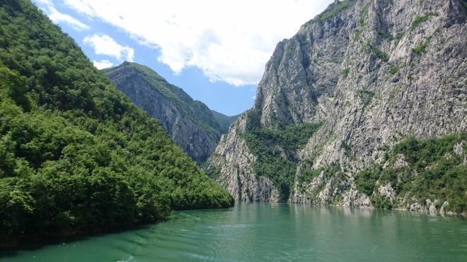 Jezero Koman.